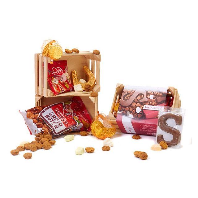 Houten kistje met snoepgoed